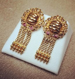 Vintage 20 carat gold earrings