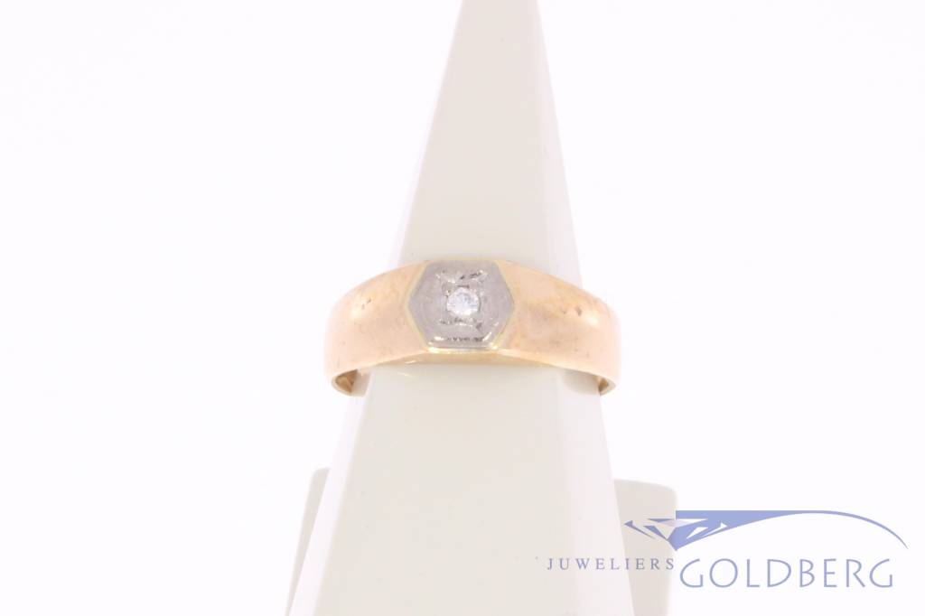 Vintage 14 carat bicolor gold solitair ring with ca. 0.02ct brilliant cut diamond