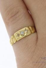 Antique 18 carat gold ring with ca. 0.035ct brilliant cut diamond Birmingham 1925