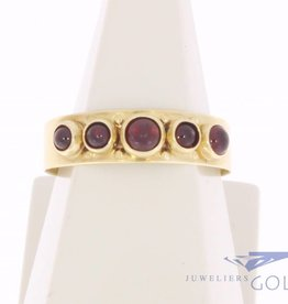 Vintage 14 carat gold ring with 5 garnets
