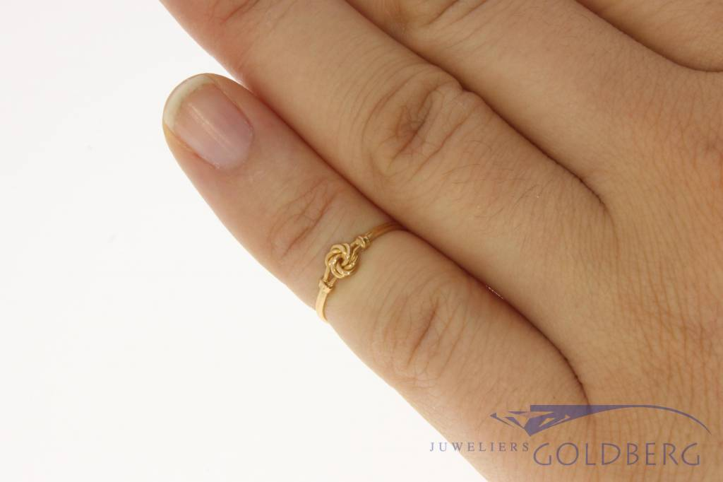 Vintage 18 carat gold children's ring Portugal