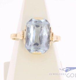 Antique 18 carat gold ring with large aquamarine 1906-1953