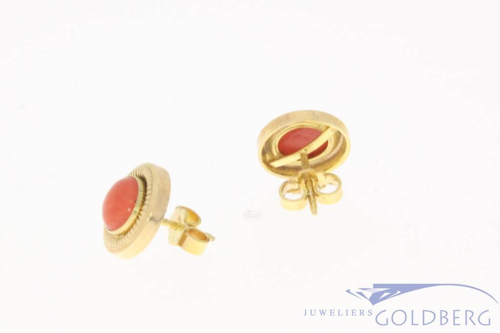 Vintage 14 carat gold ear studs with red coral