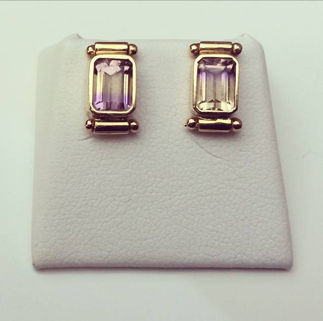 Vintage 18 carat gold earrings with tourmaline