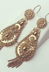 Antique 14 carat gold filigrain pendant earrings
