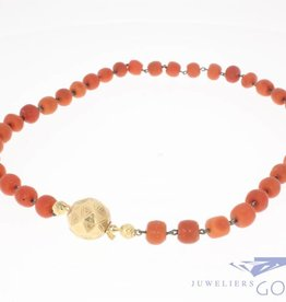 Antique precious coral necklace with 14k gold lock Dutch 1853-1906
