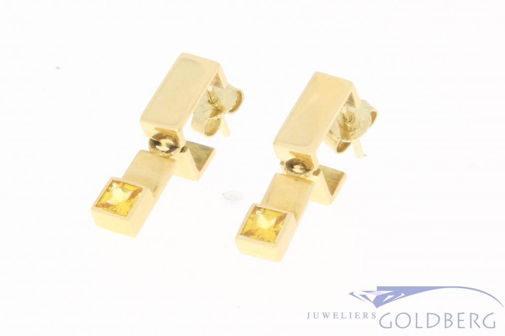 Vintage 18 carat gold earstuds with citrine