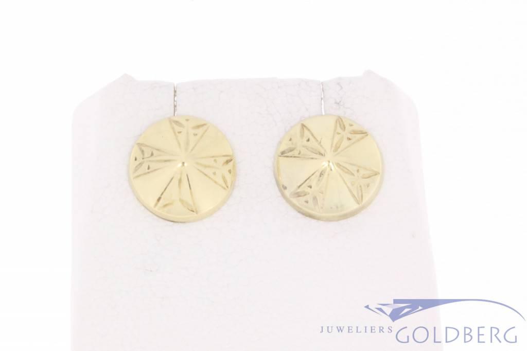 Vintage 14 carat gold decorated circular earstuds