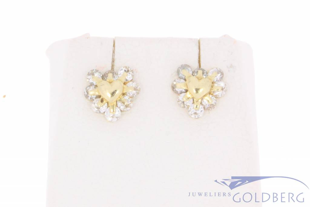 Vintage 14 carat gold heart-shaped earstuds with zirconia