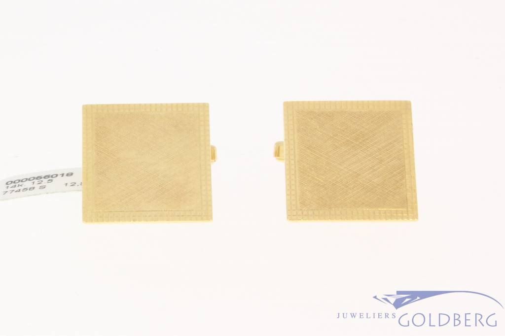 Vintage 14 carat gold partly matted square cufflinks