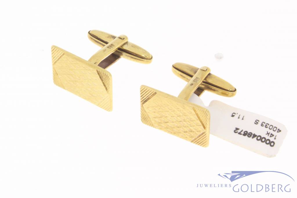 Vintage 14 carat gold adorned cufflinks