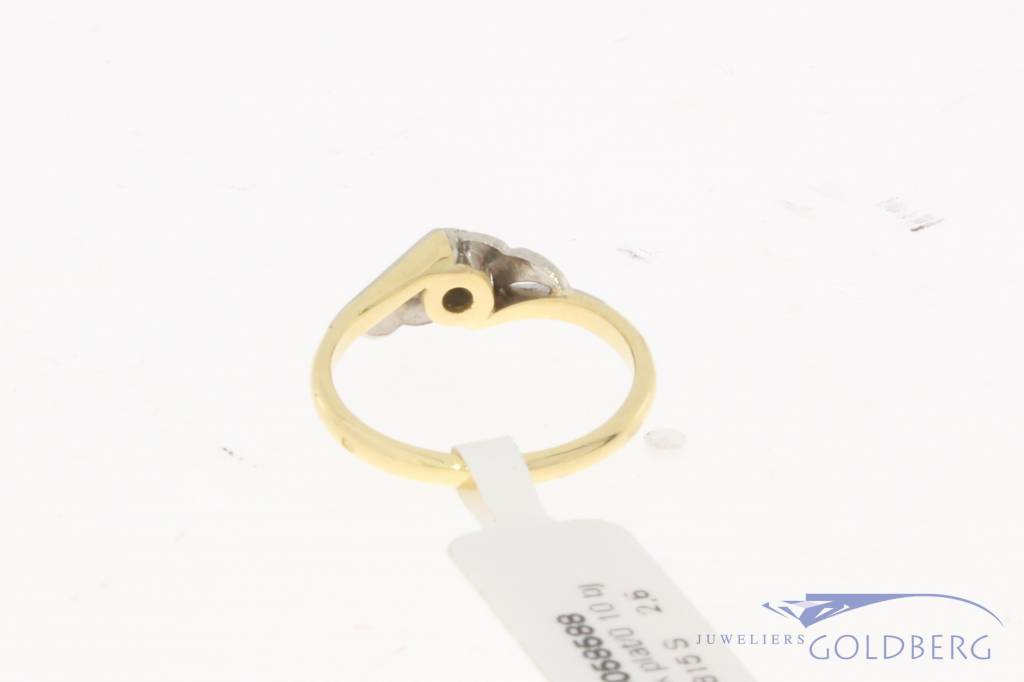 Vintage 18 carat gold & platinum ring with ca. 0.10ct brilliant cut diamond