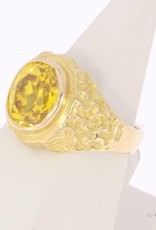 Robust vintage 18 carat gold ring with citrine
