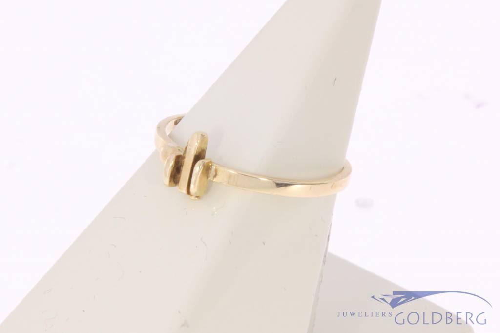 Minimalist vintage 14 carat gold ring