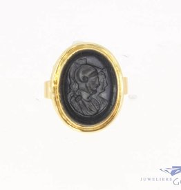 Vintage 14 carat gold signet ring with engraved onyx