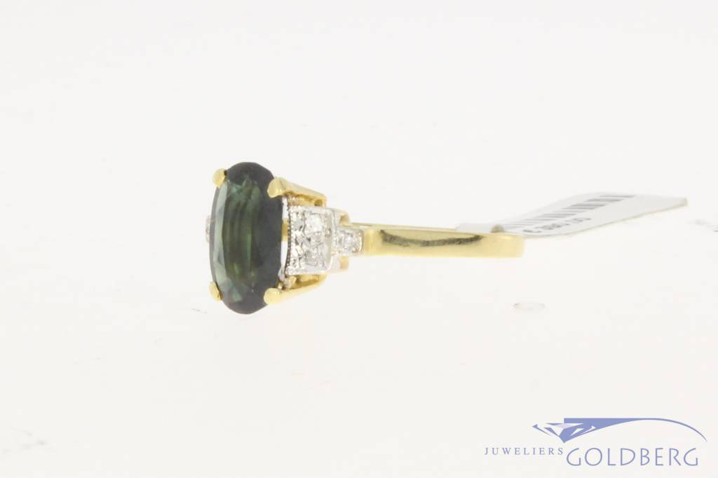 Vintage 18 carat gold ring with ca. 0.06ct brilliant cut diamond and synthetic sapphire