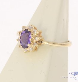 Vintage 14 carat gold rosette ring with amethyst and diamond