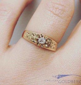 Antieke 14k gouden versierde solitaire ring met diamant