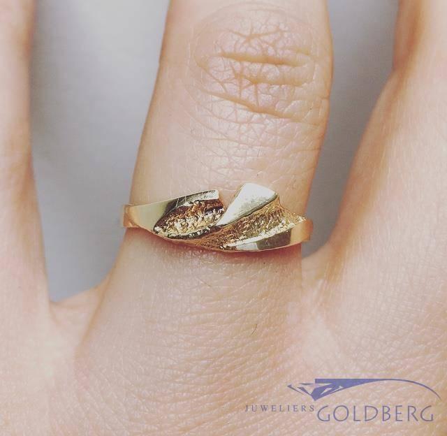 Vintage 14 carat gold edited ring