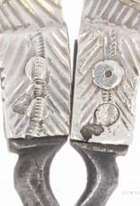 Antieke naaischaar met zilveren handvat 1859-1893