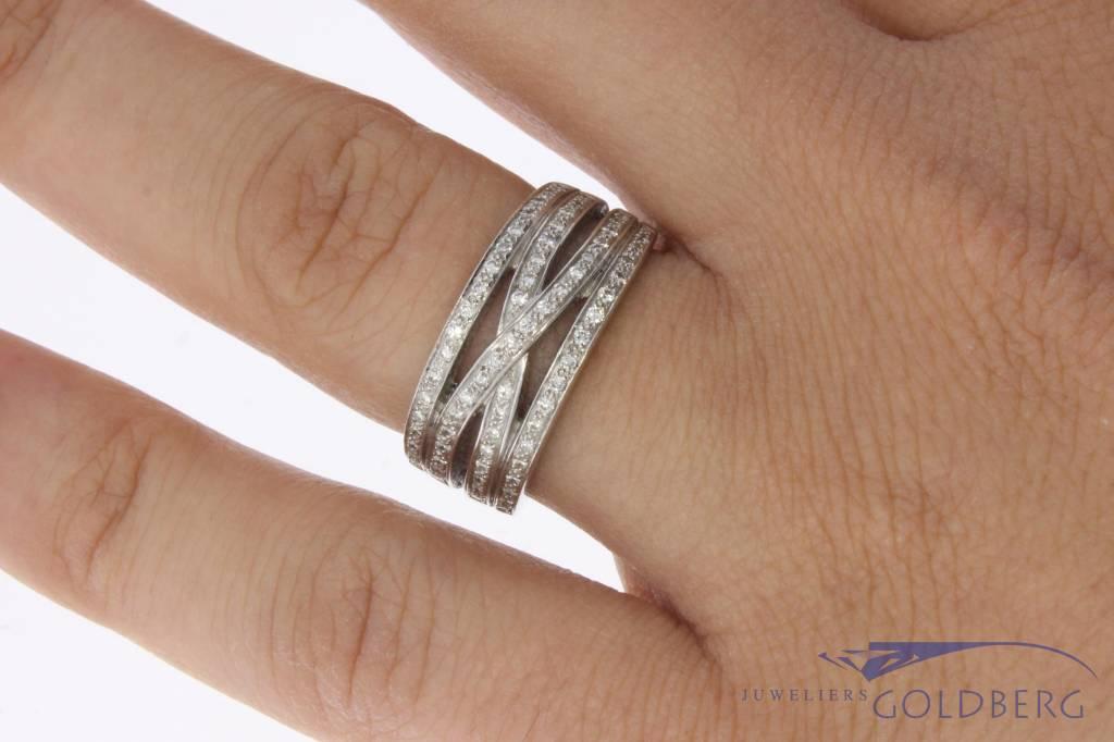 18 carat white gold ring with ca. 0.50ct brilliant cut diamond