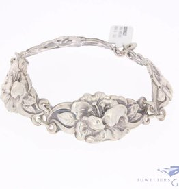 Antique silver bracelet in flower pattern 1906-1953