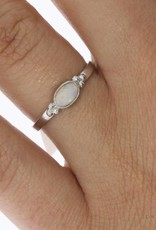 Vintage silver ring with opal