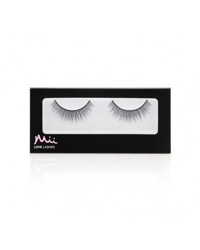 Mii Love Lashes Simply Charming