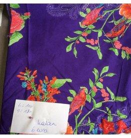 stof katoen  grote bloemen op paars