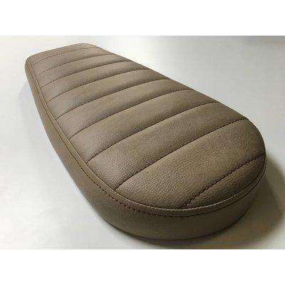 Brat Seat Tuck 'N Roll Vintage White Wide 99