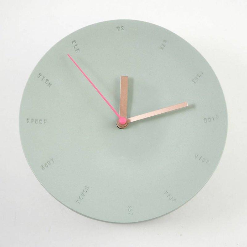 Studio Harm en Elke Wandklok porselein groot groen – roze