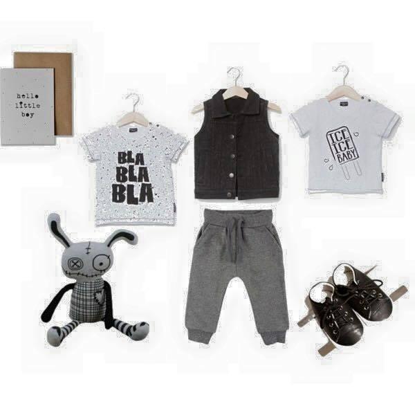 Babykleding zwart wit