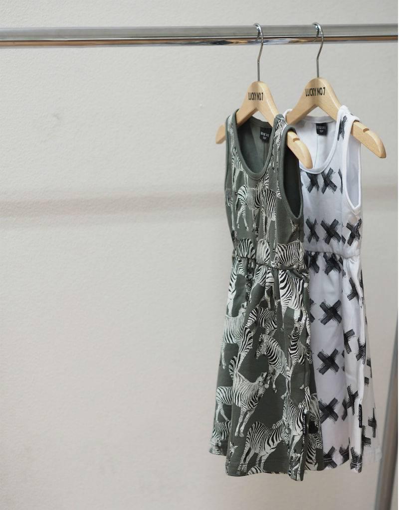 Lucky No. 7 Kris Kross Kleid-Weiß-Fond