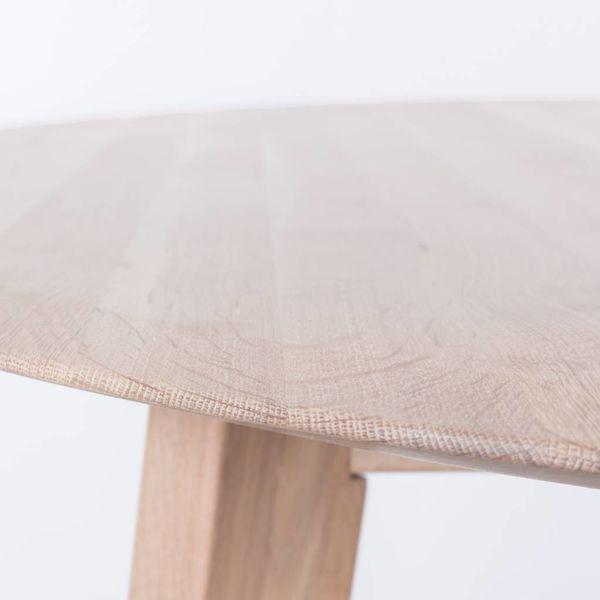 bSav & Okse Samt ovale tafel Eiken Whitewash