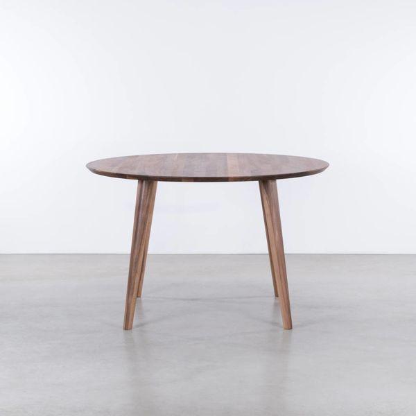bSav & Okse Tomrer ronde tafel Walnoot
