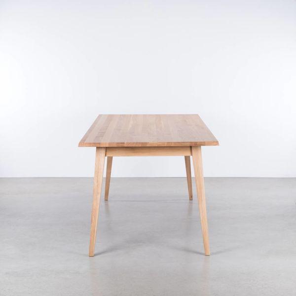 bSav & Okse Illum tafel Eiken