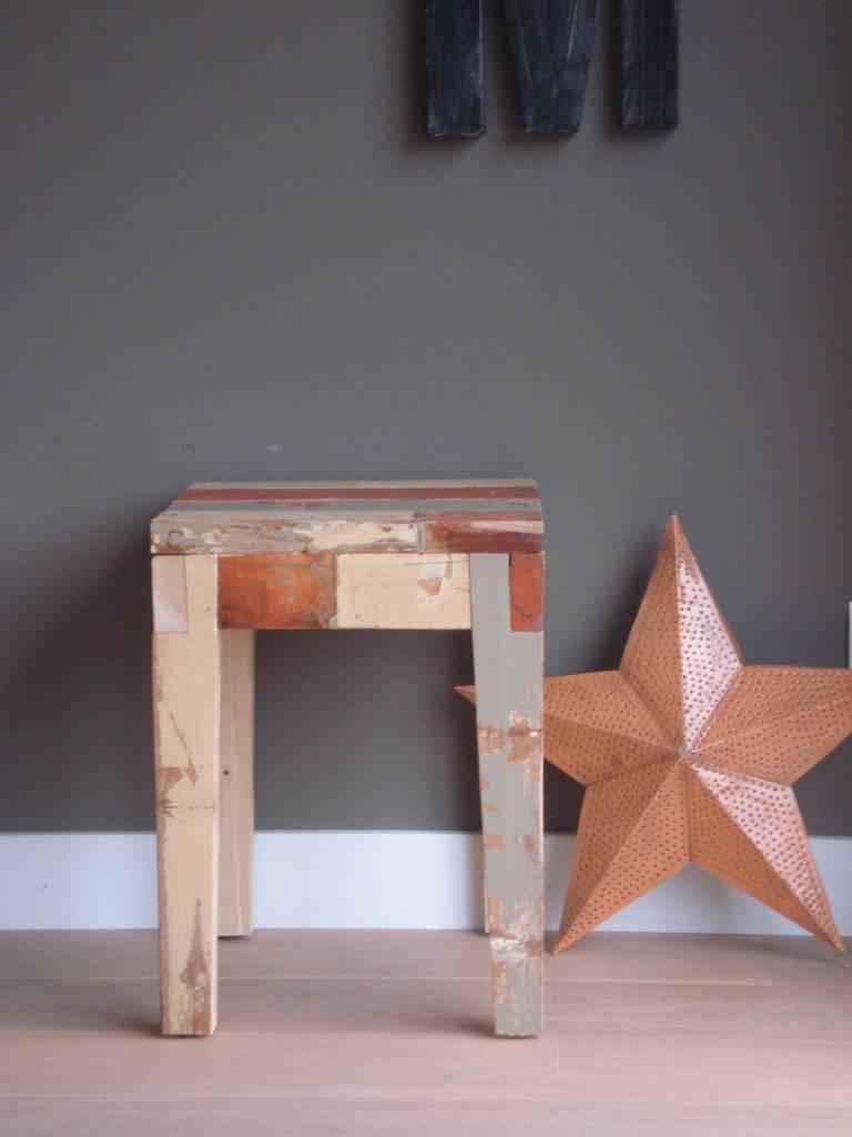 Holz Gartenmobel Nach Winter : beistelltisch aus recyceltem holz dieser hocker und beistelltisch aus