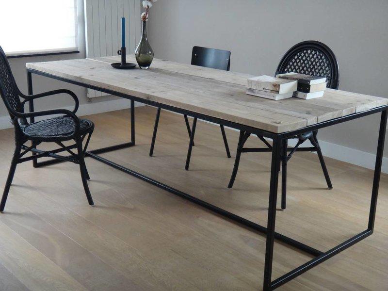 brandal industrieller bauholz tisch untergestell aus stahl pure wood design. Black Bedroom Furniture Sets. Home Design Ideas