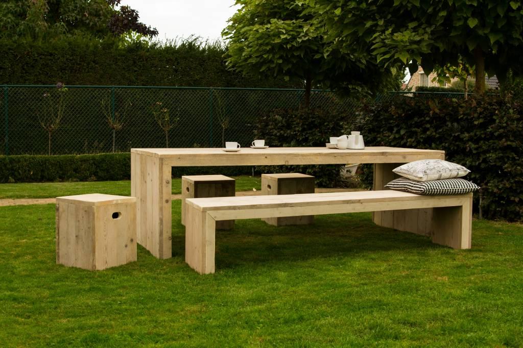 lund garten tisch aus bauholz mit dichten seiten pure wood design. Black Bedroom Furniture Sets. Home Design Ideas