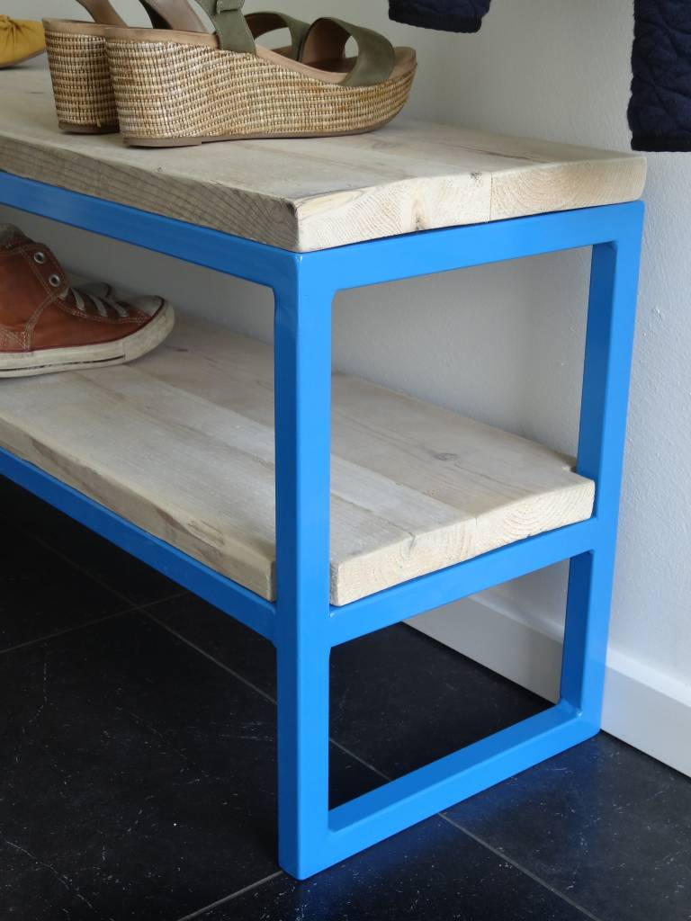 netland bauholz bank mit stahlrahmen pure wood design. Black Bedroom Furniture Sets. Home Design Ideas