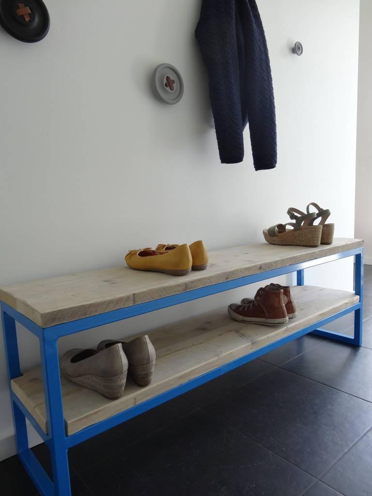 netland bank aus bauholz mit stahlrahmen pure wood design. Black Bedroom Furniture Sets. Home Design Ideas