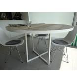 """""""Ringsted"""" Industrieller Tisch aus Bauholz mit runder Platte und Stahlrahmen"""