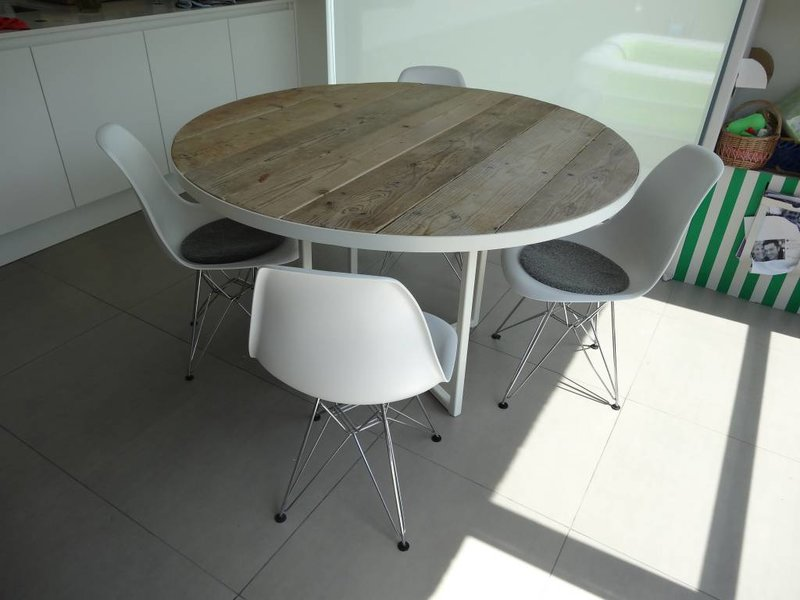 industrielle tisch bauholz runde rahmen pure wood design. Black Bedroom Furniture Sets. Home Design Ideas