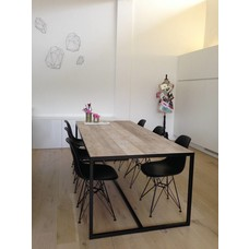 """""""Hedensted"""" Tisch mit eingelegter Tischplatte und Untergestell aus Stahl"""