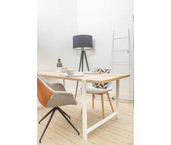"""""""Nordby"""" Bauholz Tisch mit schwebender Tischplatte und Stahlbeinen"""