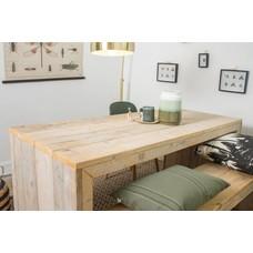 """""""Lund"""" Tisch aus Bauholz mit dichten Seiten"""