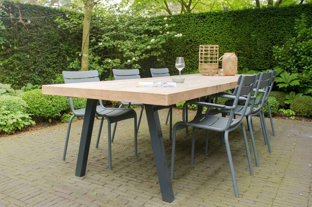 Arendal garten tisch aus bauholz mit schr gen beinen aus for Tisch design wood
