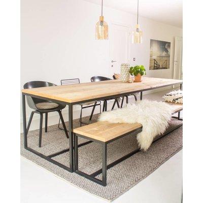 brandal tisch aus bauholz mit untergestell aus stahl pure wood design. Black Bedroom Furniture Sets. Home Design Ideas