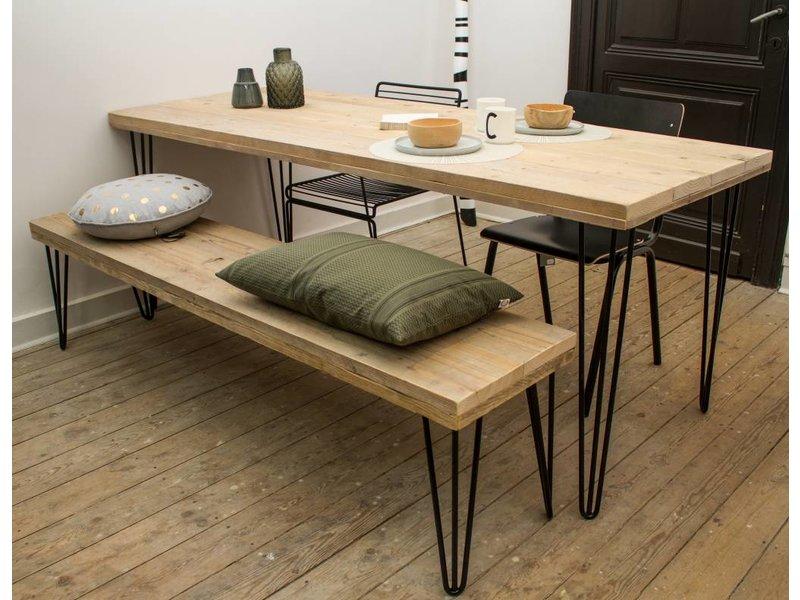 Har industrieller tisch aus bauholz haarnadel for Tisch design wood