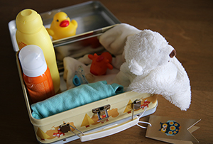 Kraamcadeau: koffertje met kleine cadeautjes